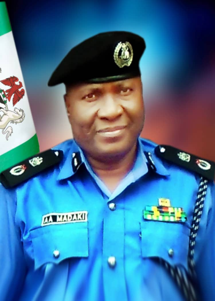PRESS RELEASE:POLICE ARREST SUSPECTED KIDNAPPERS,ARMED ROBBERS RECOVERS ONE FABRICATED  GUN