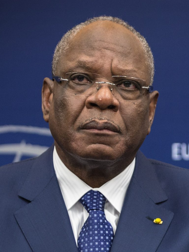 Mali coup: Rebel soldiers pledge fresh elections
