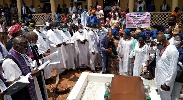 Late Afenifere leader, Fasanmi buried amid tributes in Ekiti
