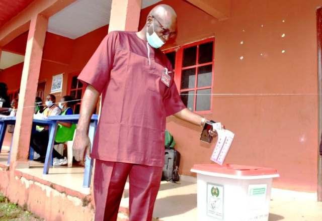Ize-Iyamu votes, says 'I am very confident of winning'