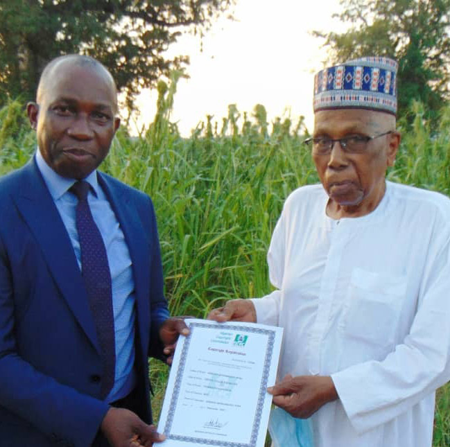 Firm documentary on Animal Husbandry:Copyright Commission presents certificate to 90-year-old Ahmed Joda