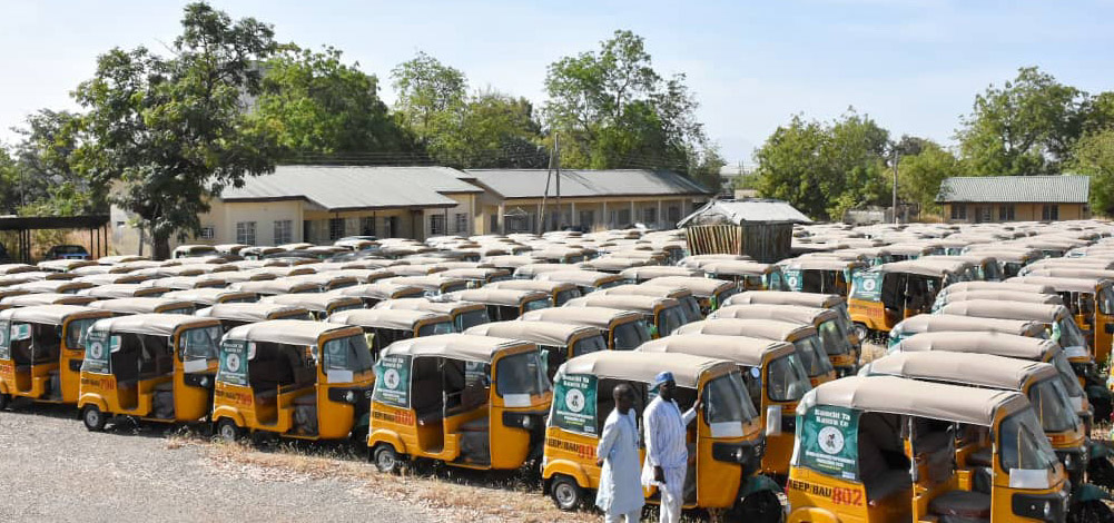 Bauchi Gov Distributes 655 Commercial Tricycles, 154 Buses to over 800 Youths