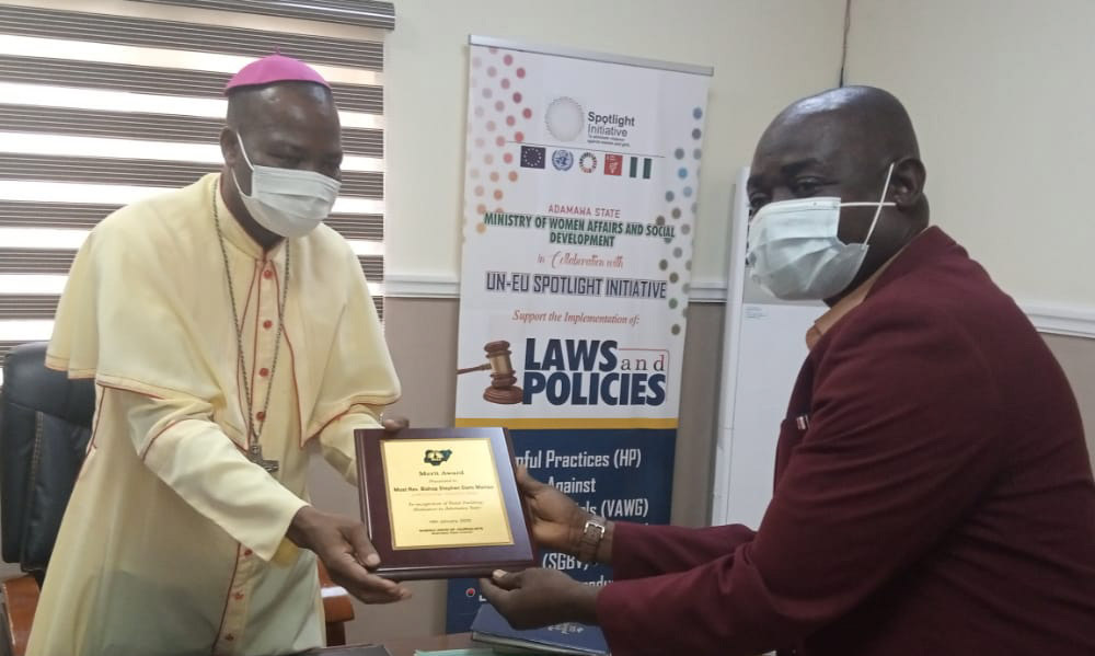 Adamawa NUJ honours CAN Chairman, Bishop Dami with Peace Award