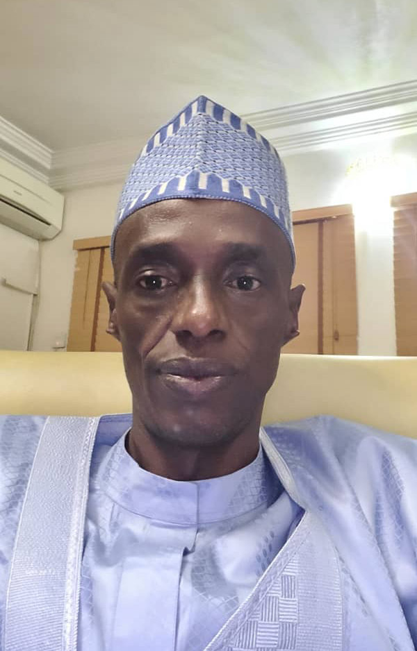 Ramadan: Kwacham gives over 5,000 wrappers to Widows, APC women in Adamawa