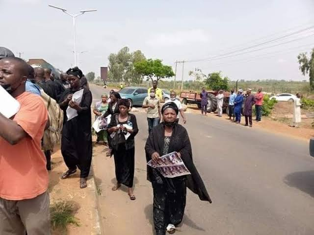 Abducted Kaduna students' parents defy govt, vow to negotiate with bandits