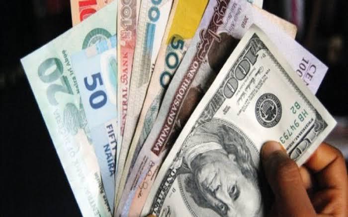 Naira weakens against dollar as official rate hits N419