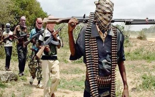 14 bandits killed in police station attack