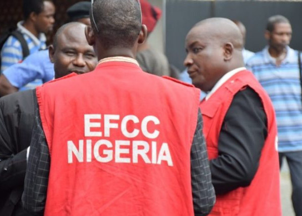 Asset declaration: EFCC issues final warning, targets over 120 bank MDs, top executives