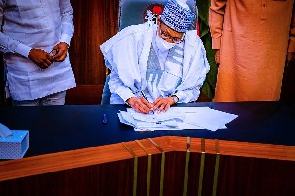 Buhari signs N982.7bn supplementary budget into law